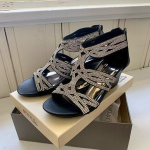 Patrizia sandal. Bling NWT 8